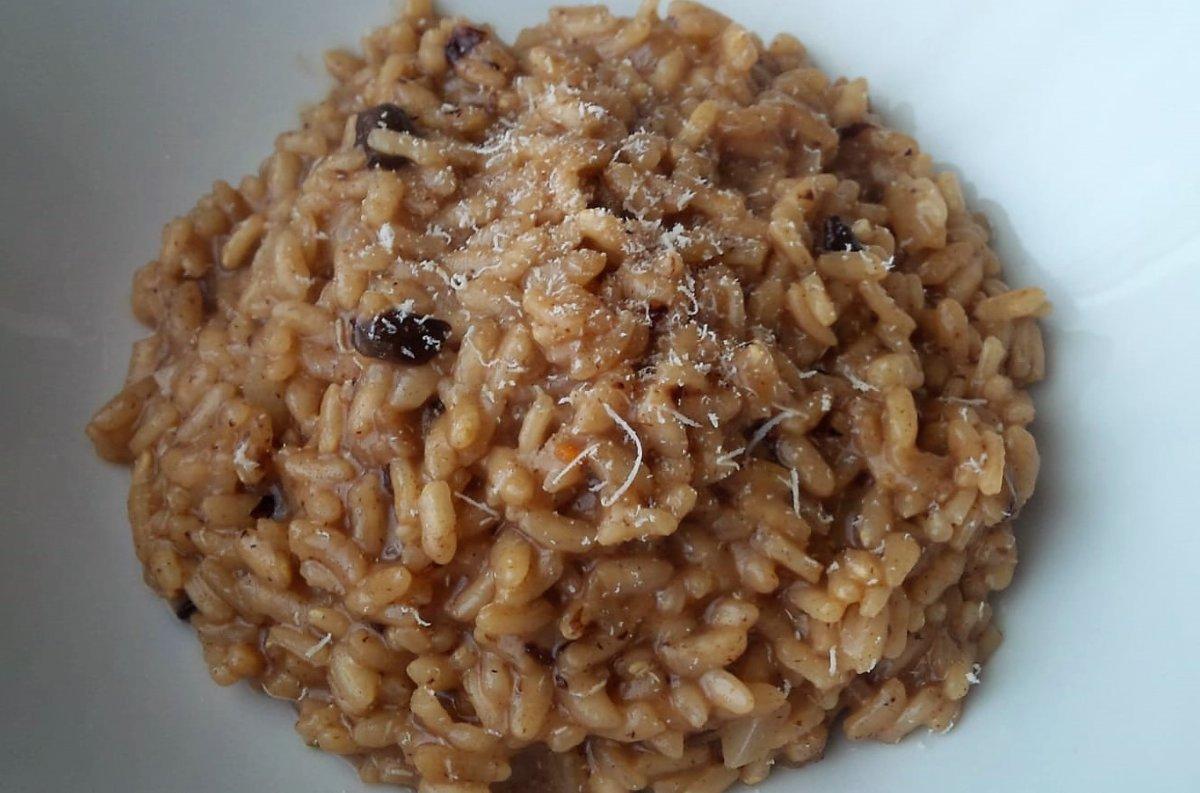 Black garlic risotto.jpg