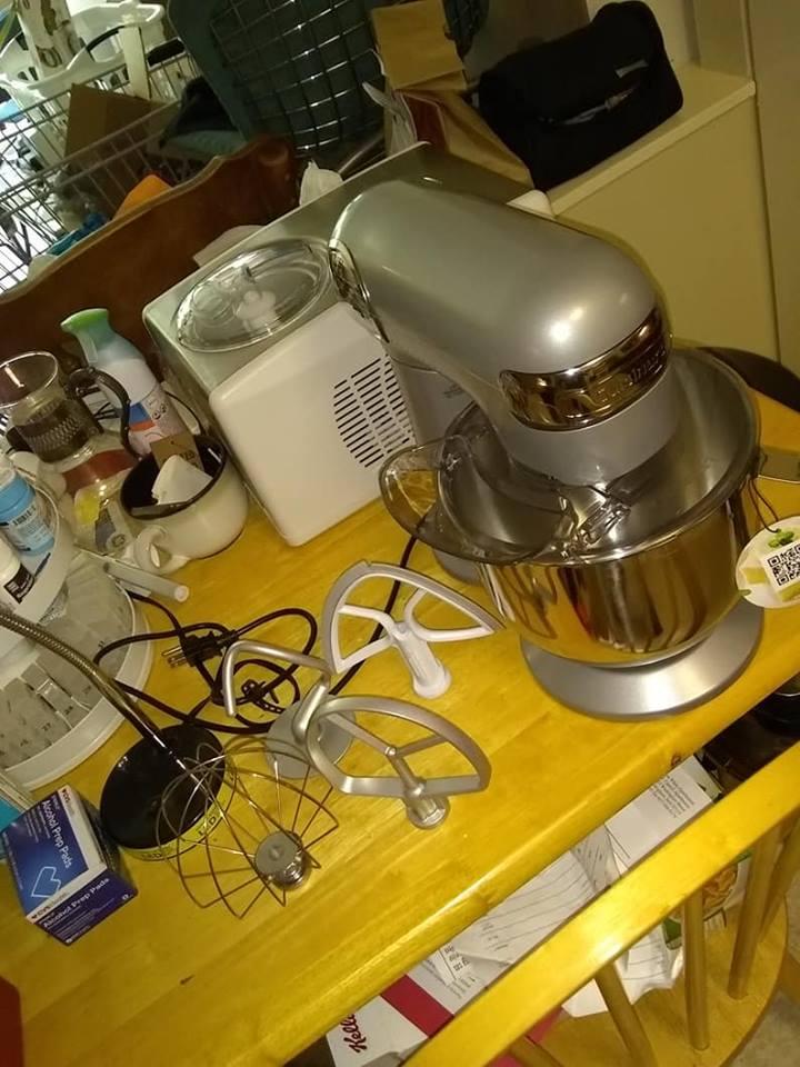 Cuisinart stand mixer 3.jpg