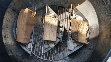 dogboa-2187388-albums-bbq-grilling-pic148880-fire-setup-chilis-8-9-18.jpg