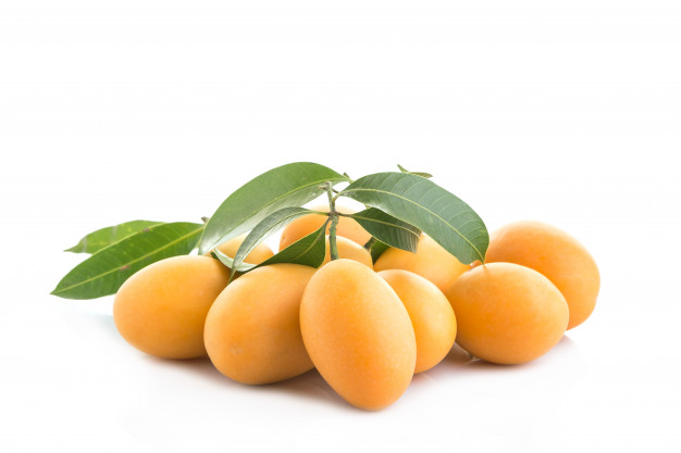 fresh-yellow-marian-plum-fruit-mayongchid-in-thai-name-isolated-on-white-background_30478-62.jpg