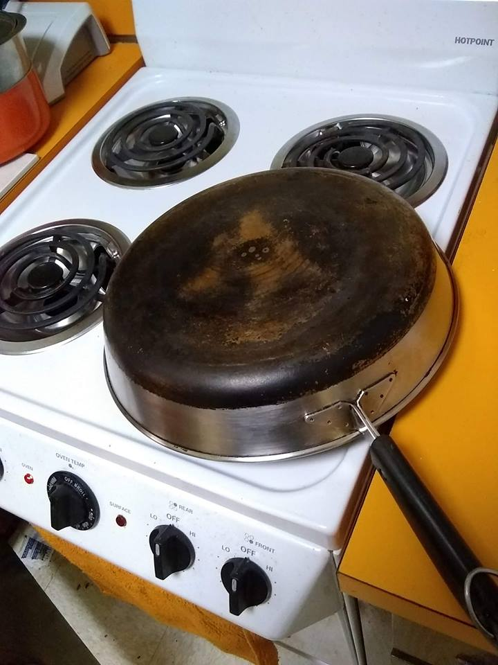 Frying Pan with carbonized bottom..jpg