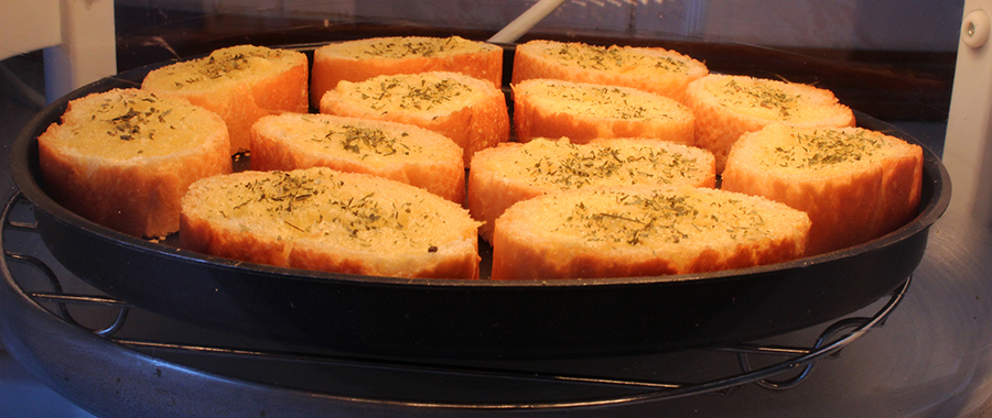 halogen garlic bread s.jpg