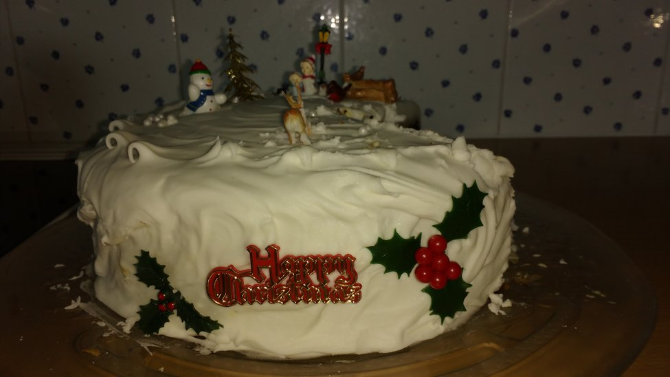 Decorating Christmas Cake Mary Berry : Recipe mary berry s classic christmas cake