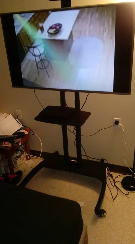 New TV sith stand!!.jpg