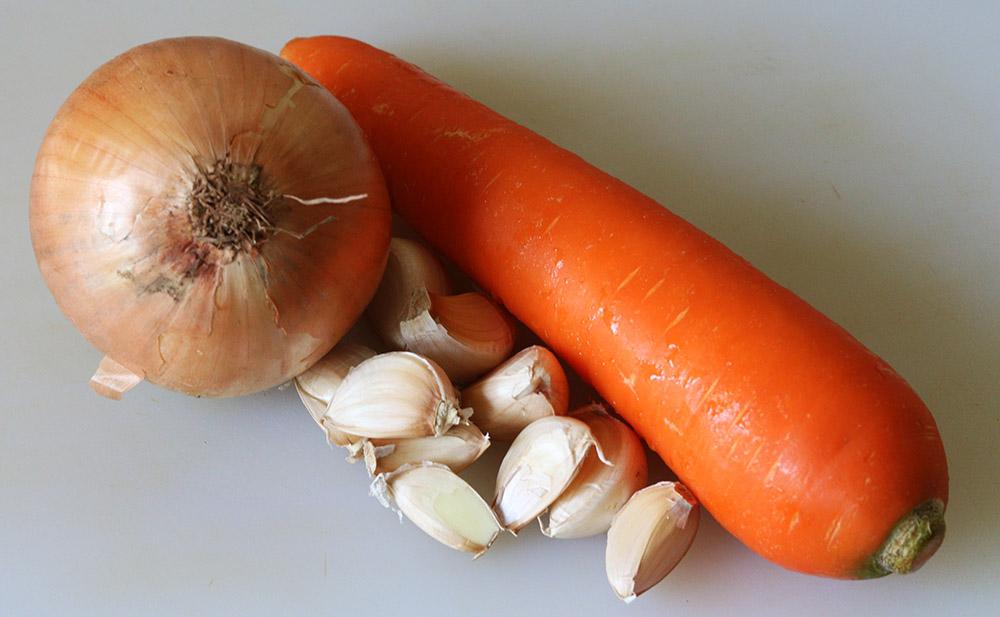 onion carrot garlic s.jpg