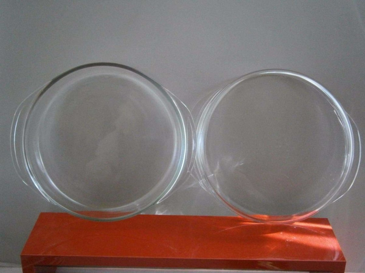 Pyrex Glass Cake Pans..jpg