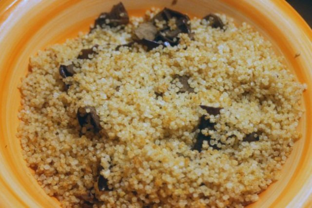 quinoa-pepper-stuffing-quinoa.jpg