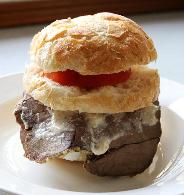 roast beef sarnie s.jpg