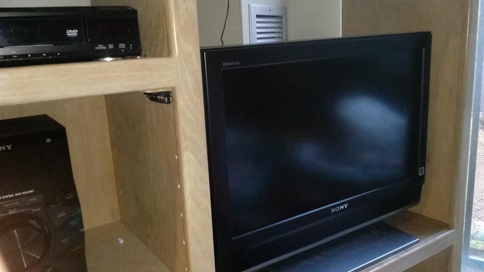 Sony flat screen..jpg