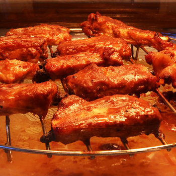 Marinated pork ribs (J.O. style)