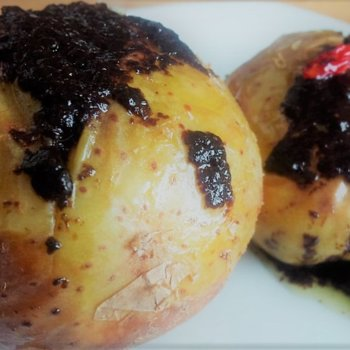 Jacket potatoes with black garlic sauce