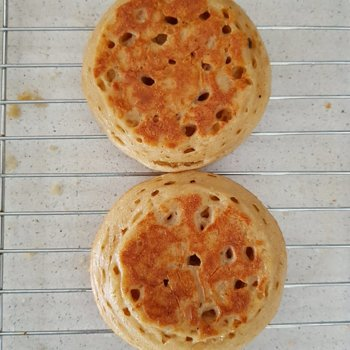 Crumpets as they should look