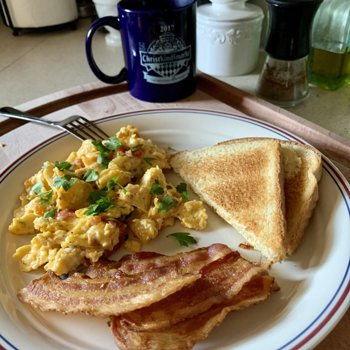 Garden Scramble With Bacon And Toast