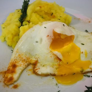 Turmeric-flavored mashed potatoes and fried egg.jpg