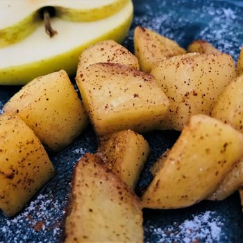 Cinnamon-flavoured apple bites.jpg