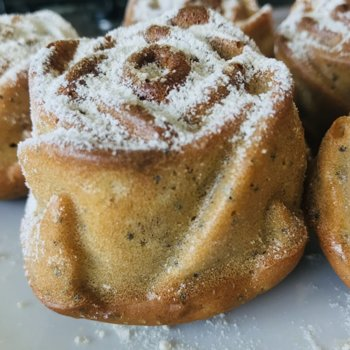 Rose-shaped Buttermilk and Poppy Seeds Muffins.jpeg