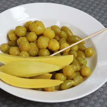pickled grapes s.jpg