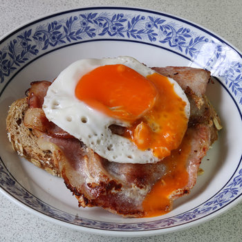 Bacon and egg on toast s.jpg