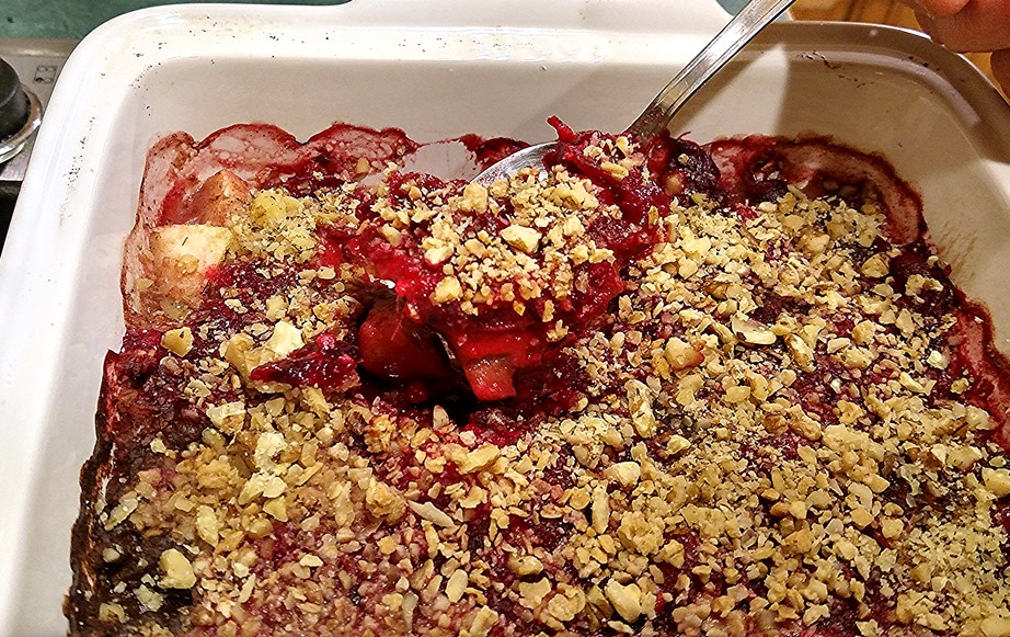 CranApple-crisp-on-spoon.jpg