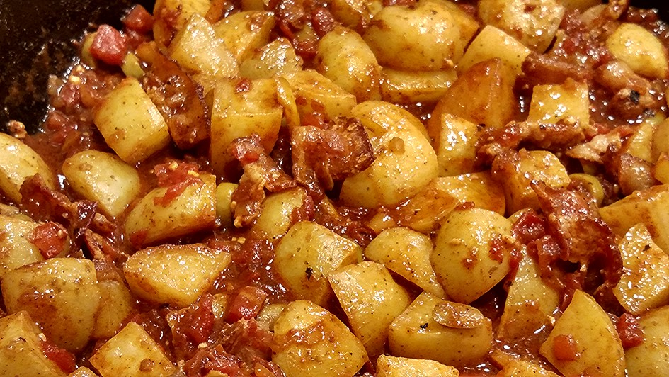 Spanish-potatoes-00-photo-for-recipe-challenge.jpg
